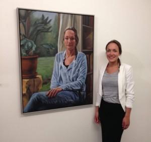 juni 2015: Jorien bij haar portret bij het CBK in Emmen